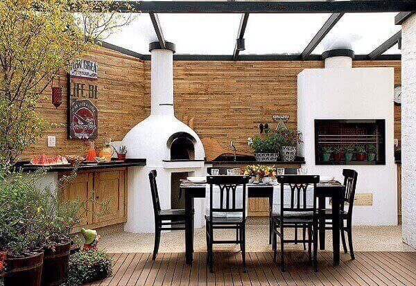 Área de churrasco moderna e sofisticada