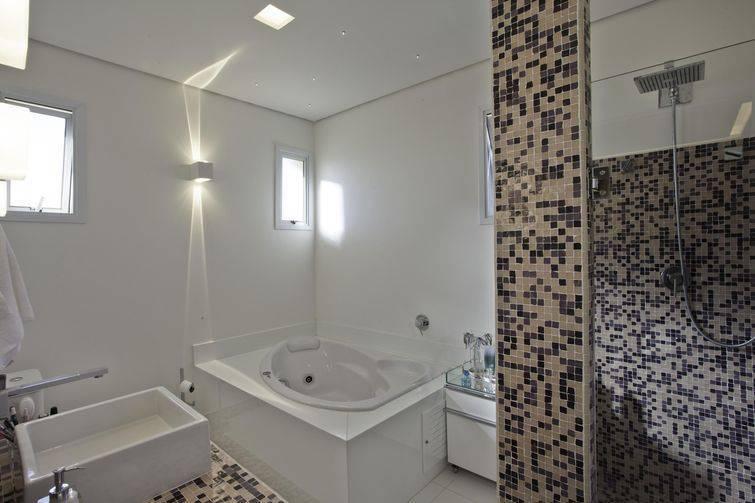 Banheiros Decorados com Pastilhas são a Nova Moda -> Banheiro Com Azulejo Imitando Pastilha