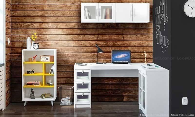 Home office com pisos que imitam madeira Projeto de Lojas KD