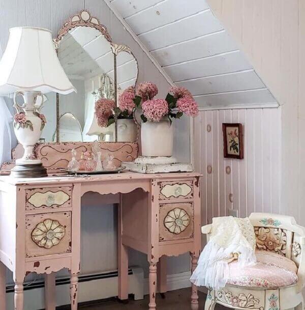 Modelo de penteadeira rosa clássica