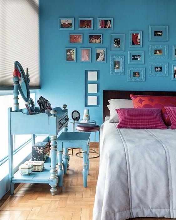 Penteadeira antiga azul para quarto moderno