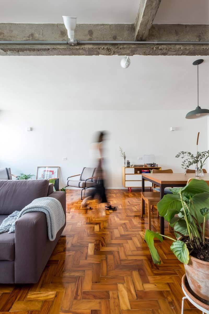Plantas para apartamento - ambiente com circulação otimizada e piso vinílico