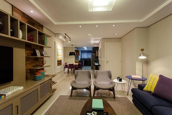 Sala de estar com teto de gesso Projeto de Juliana Pippi