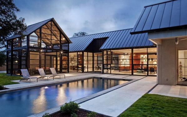 Telhas de zinco em casa grande