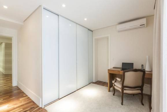 quarto de casal armarios