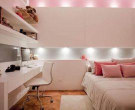 bancada para quarto feminino decorado em tons de rosa com iluminação de led embutida  Foto Assetproject