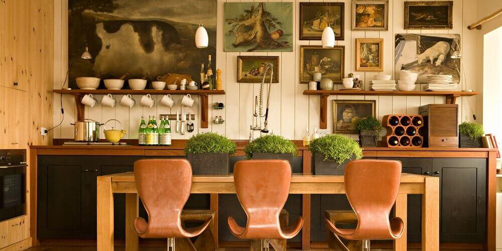cozinha rústica com quadros