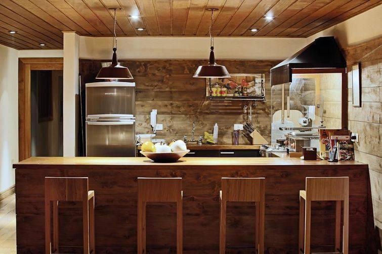 Cozinha rústica é escolha para ambiente agradável