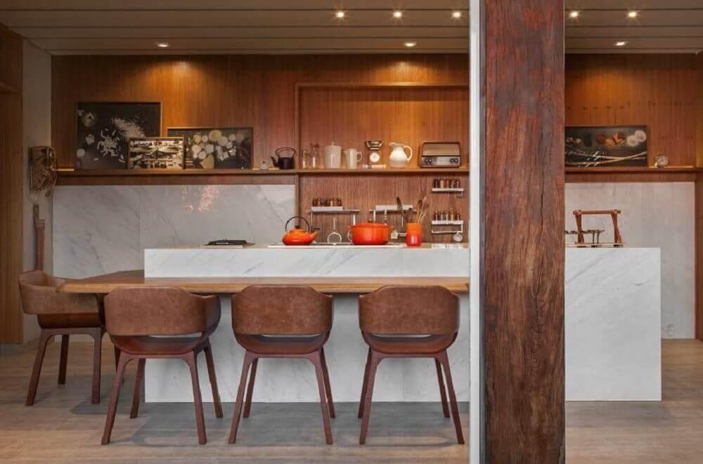 cozinha rústica com detalhes em mármore