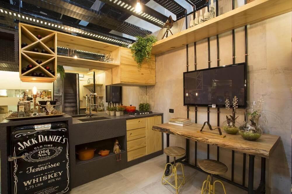Cozinha rústica com detalhes industrial