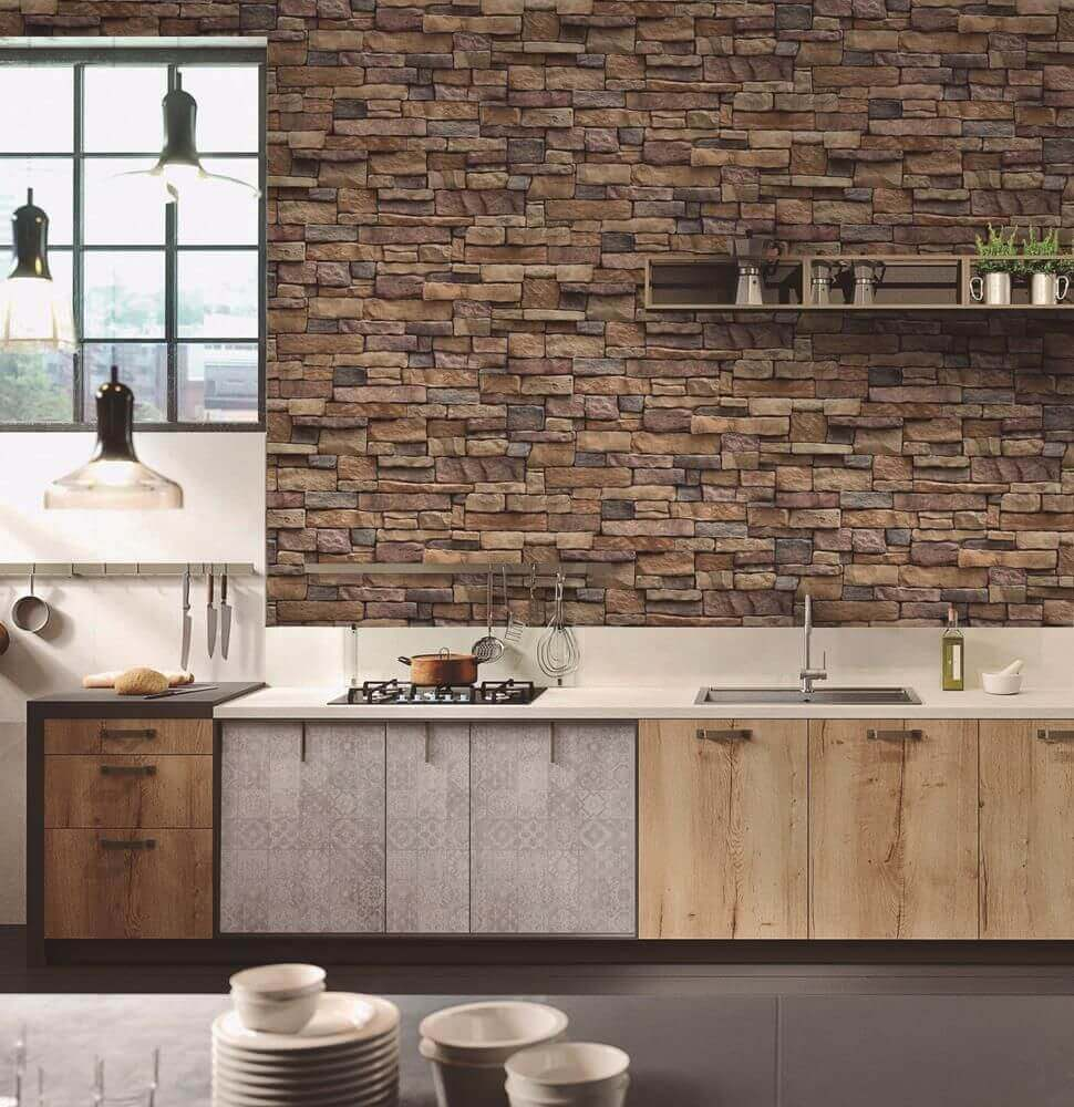 Decoração de cozinha rústica com parede de pedra