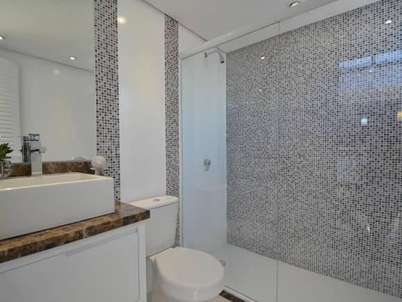 Revestimento banheiro mais adequado para sua obra -> Banheiro Com Revestimento Tipo Pastilha