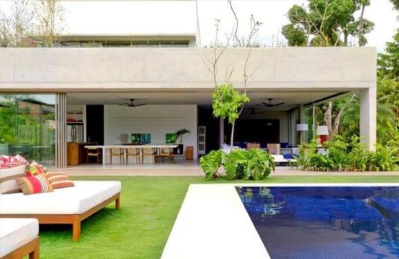 Reforma de Casas 13935-area-externa-area-de-lazer-com-piscina-sofisticacao-do-lado-de-fora-revista-viva-decora-viva-decora