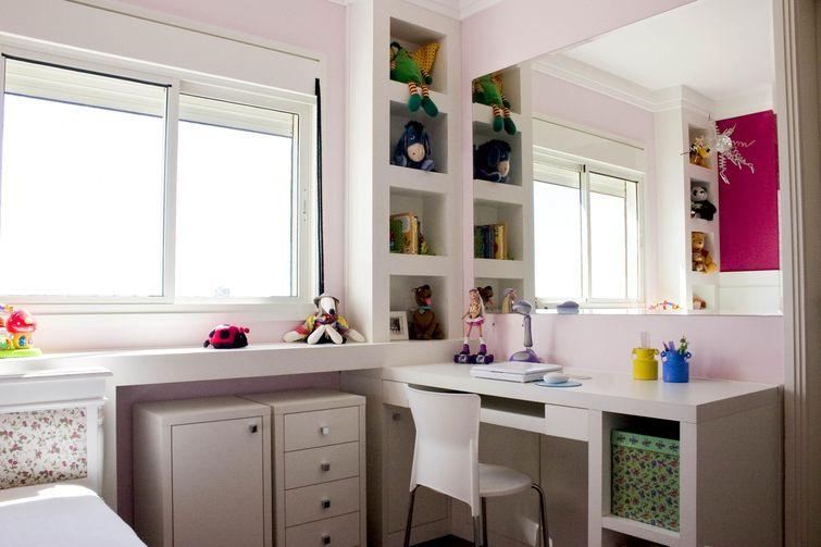 nichos e gavetas para quarto feminino