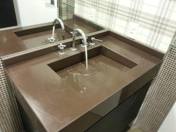 Granito Marrom Absoluto banheiro com lavatório