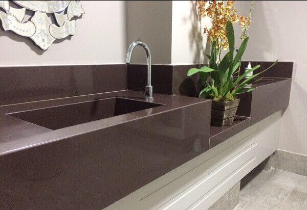Granito Marrom Absoluto com duas cubas estruturadas