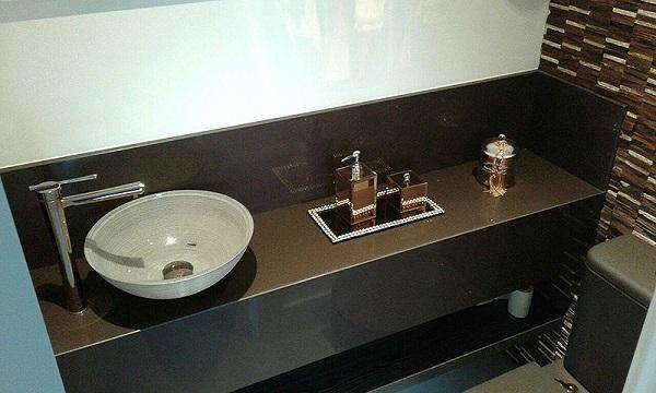 Granito marrom absoluto pia de banheiro