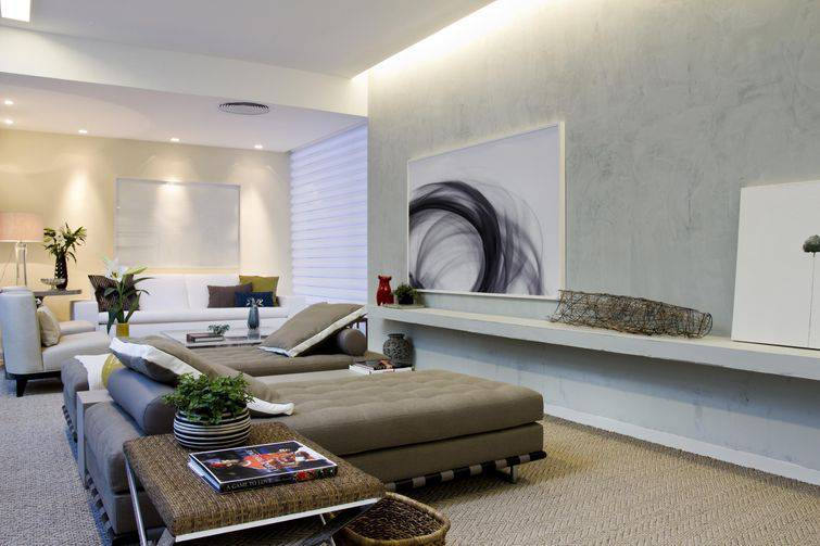 Papel de parede na sala de estar: de ambientes clássicos até os mais modernos