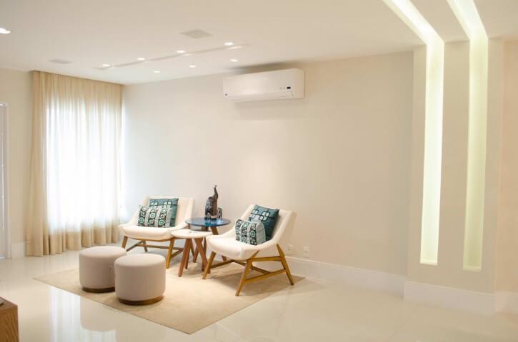 Parede de gesso com iluminação