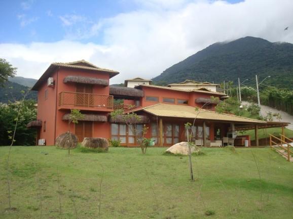Frente De Casas De Campo Com Diferentes Estilos