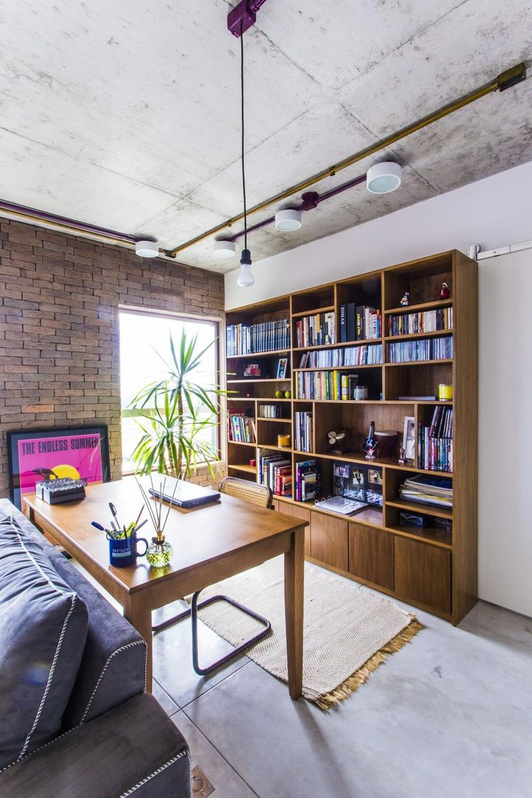 Organização de livros para enriquecer sua decoração