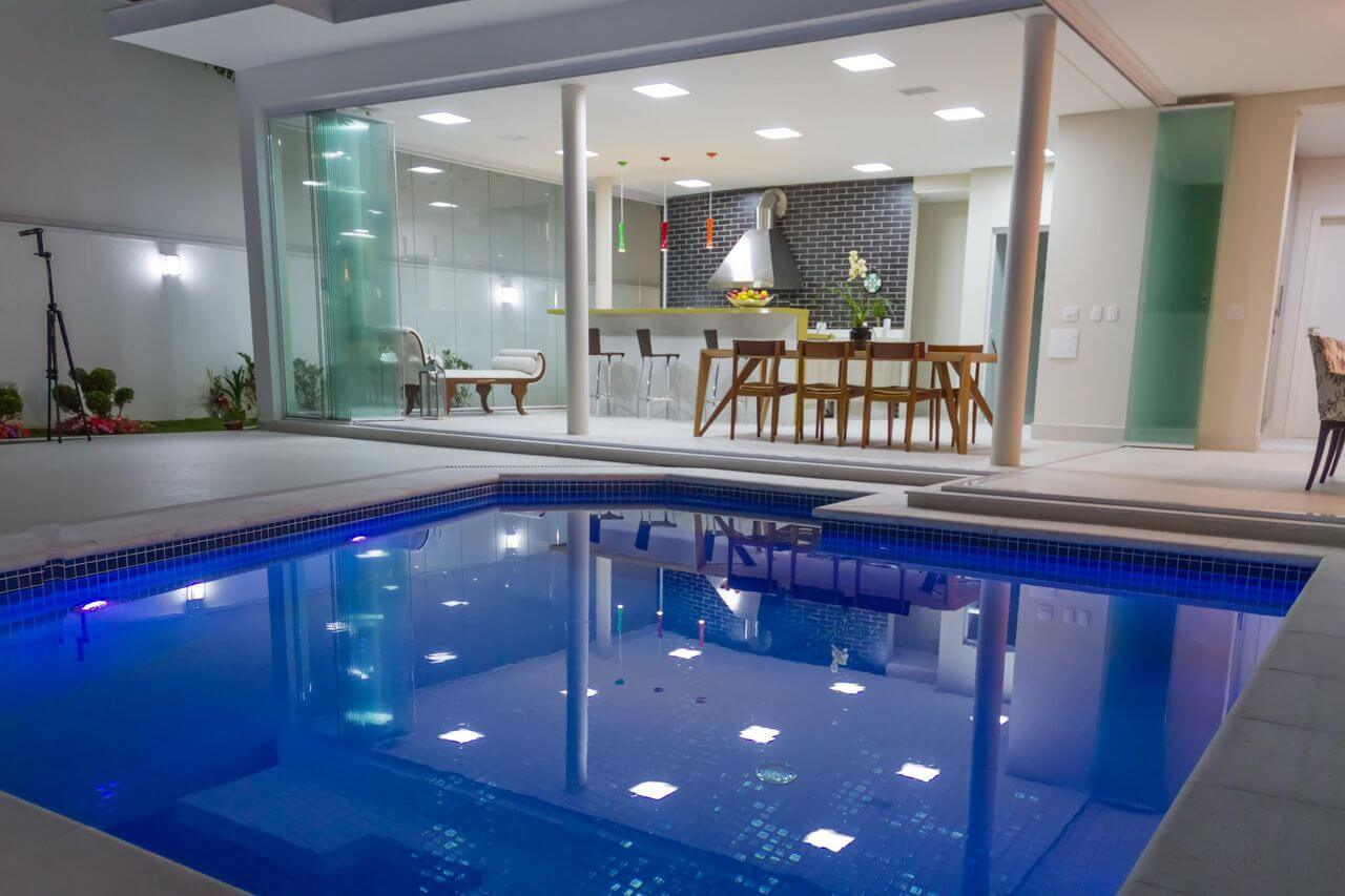 piscina de alvenaria na varanda gourmet renatabertoni e junior prestes 44152