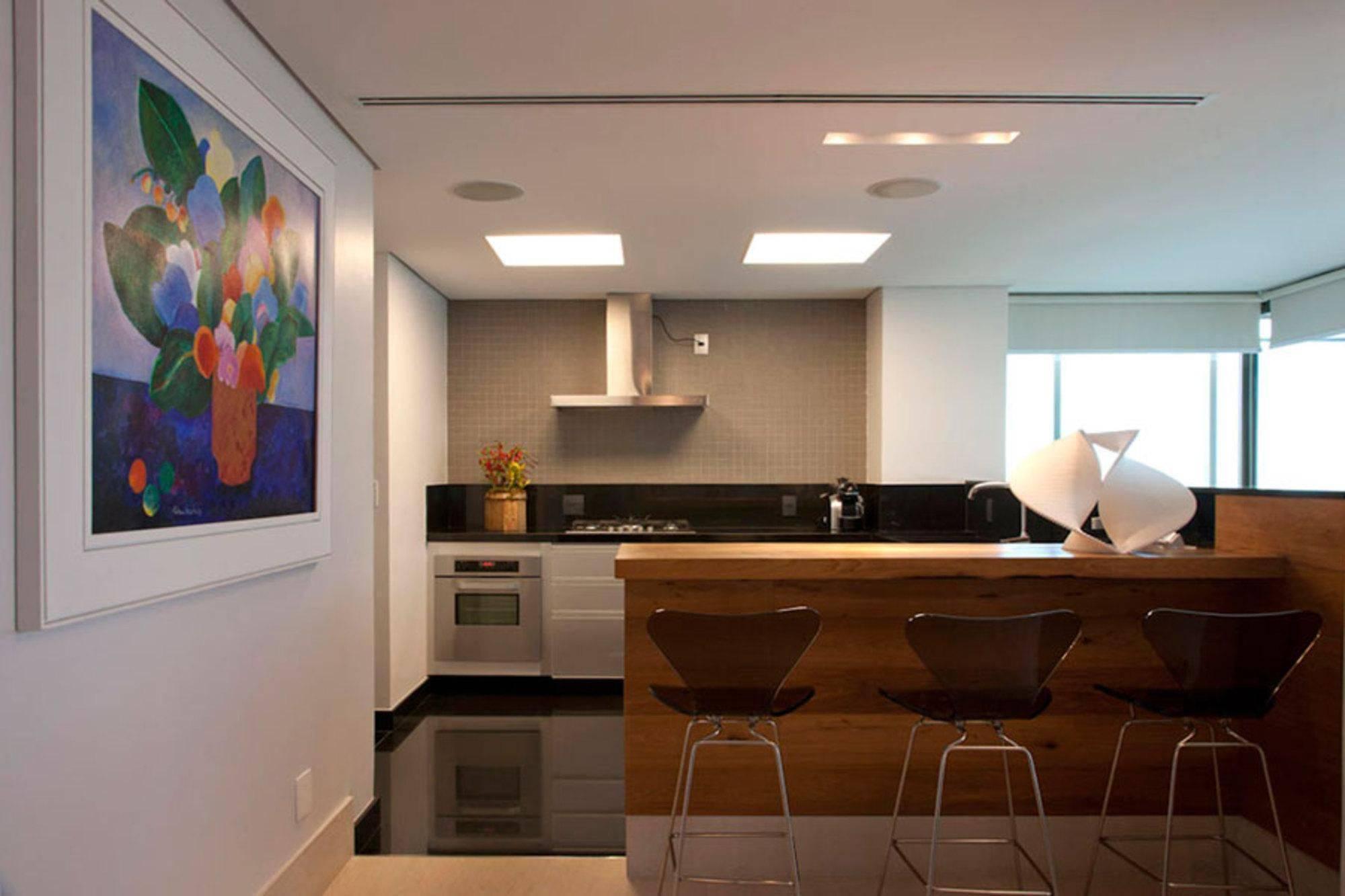 #311C12 Cozinha americana simples otimizando o espaço 2000x1333 px Balcão De Cozinha Americana Com Armario_1929 Imagens