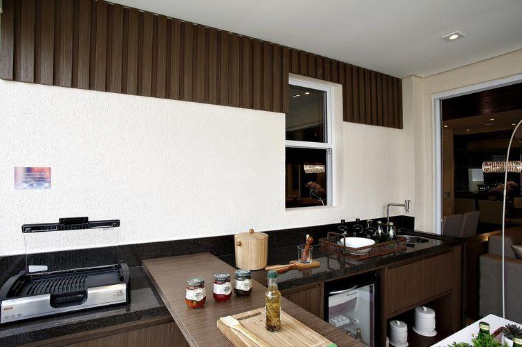 Cozinhas Pequenas decorada-com-detalhes-marrons
