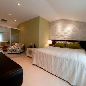 quartos de casal decorados com com parede verde
