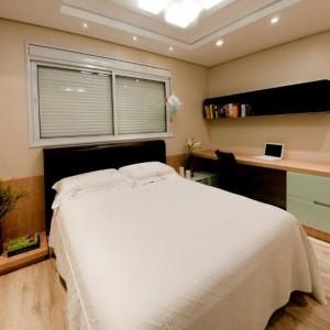 quartos de casal decorados com iluminação embutida