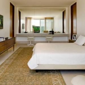 quartos de casal decorados com tapete grande
