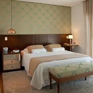 quartos de casal decorados com papel de parede verde