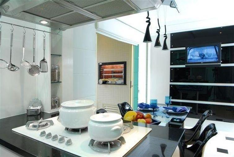 7108 cozinhas pequenas decorada-com-pendentes