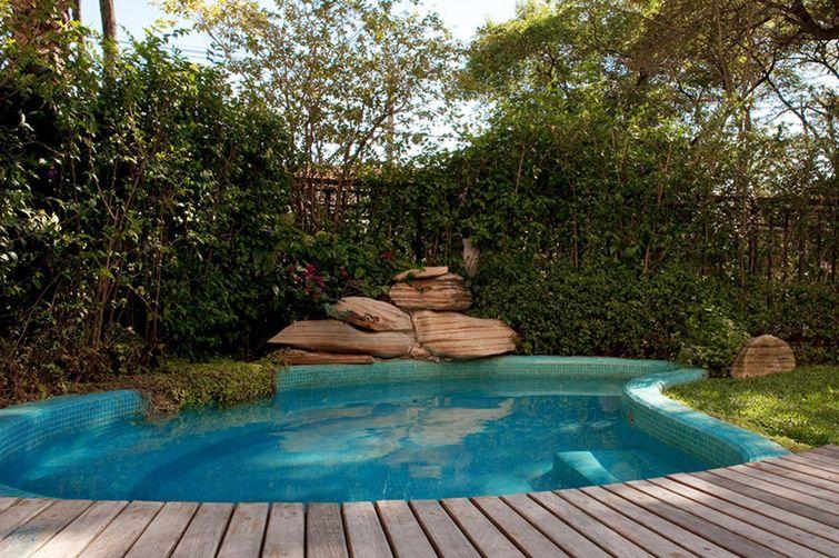 Fotos de piscinas para inspirar a casa dos seus sonhos - Piscinas en alto ...