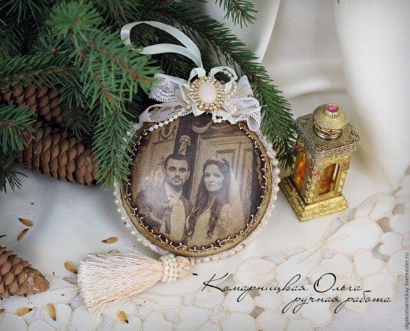 Bolas de natal com foto antiga Foto de Live Master