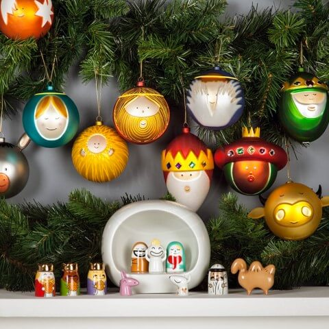 Bolas de natal como personagens natalinos Foto de Stardust Modern Design