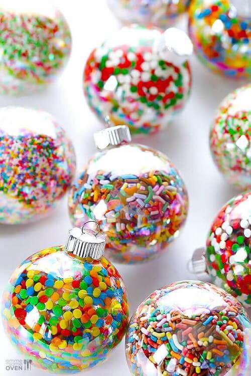bolas de natal coloridas