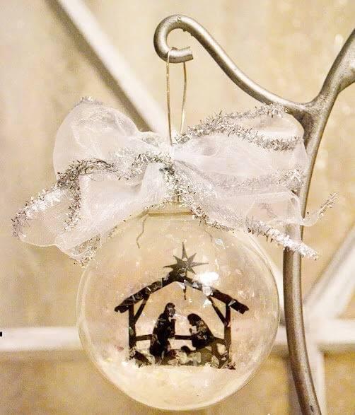 bolas de natal com presepio