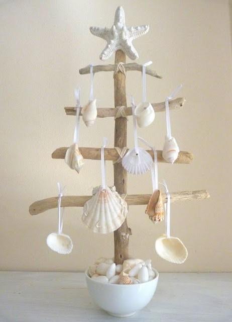 enfeites de natal - arvore de natal com conchas