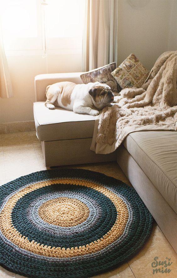 tapetes de crochê barbante na sala de estar