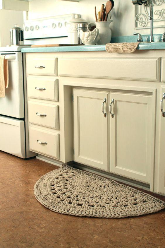 tapetes de crochê meia lua para cozinha
