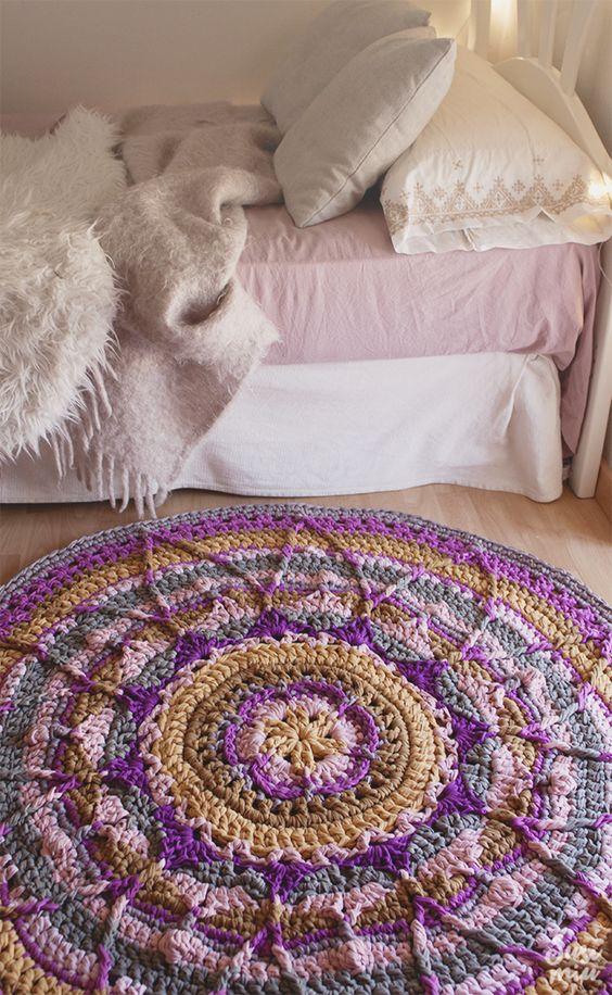 tapetes de crochê para quarto mandala