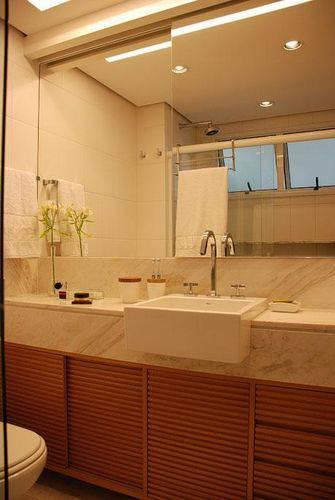 10 Dicas para Armário de Banheiro com + de 40 Fotos Incríveis -> Armario Aereo Banheiro Madeira