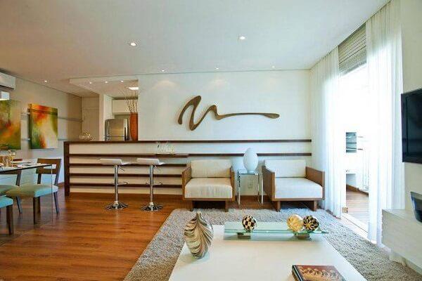 poltronas decorativas transmitem aconchego a sala de estar