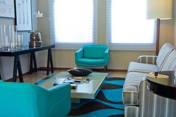 poltronas decorativas em tons de azul