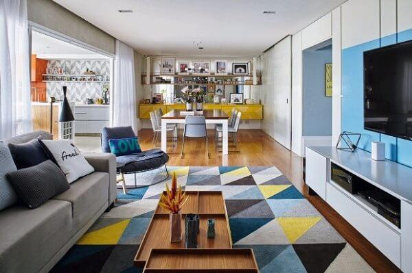 poltronas decorativas encantam o ambiente da sala
