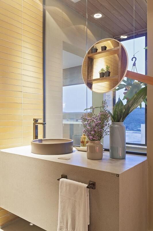 Armário de banheiro planejado pode apresentar design inovador e criativo