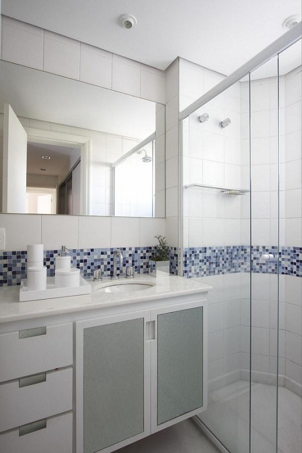 banheiros planejados armario de banheiro com metal leo shehtman 1738