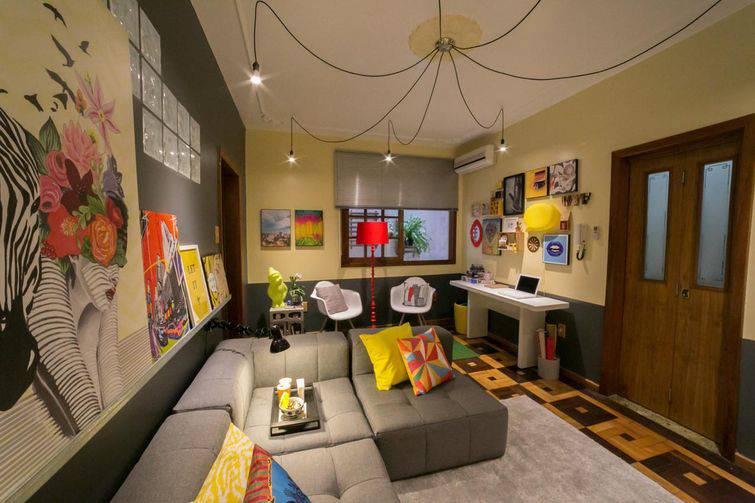 Os sofás de canto podem ser montados por módulos comprados separadamente