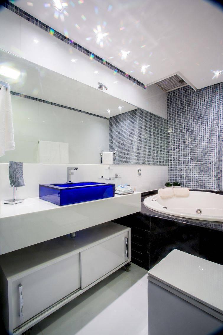 altura faixa decorativa banheiro